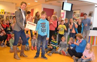 Rinus Blom schenkt geveilde cheque opnieuw!